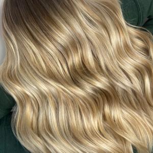 honey blonde long wavy hair by carla rinaldi from roots society frankies salon melbourne victoria australia